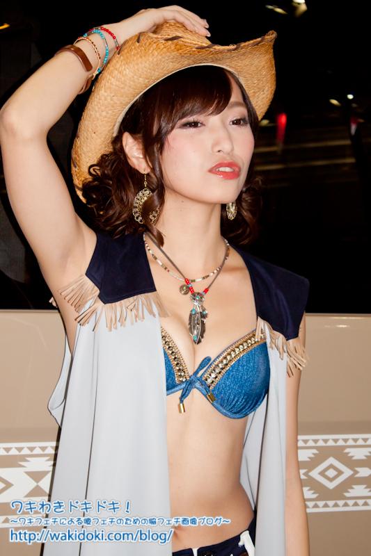 東京オートサロン2017レースクイーン&イベントコンパニオンのワキフェチ画像