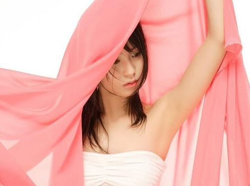 本仮屋ユイカの美ワキなワキフェチ画像
