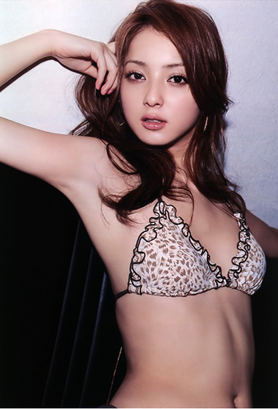 佐々木希の美ワキなワキフェチ画像