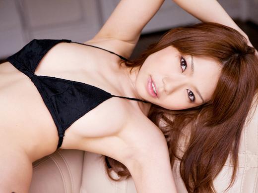 鈴木凛の美ワキ画像