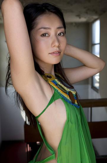 谷桃子の美ワキなワキフェチ画像