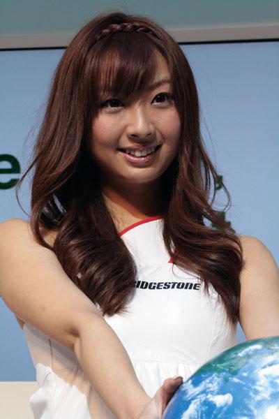 東京モーターショー2009の美人コンパニオン画像